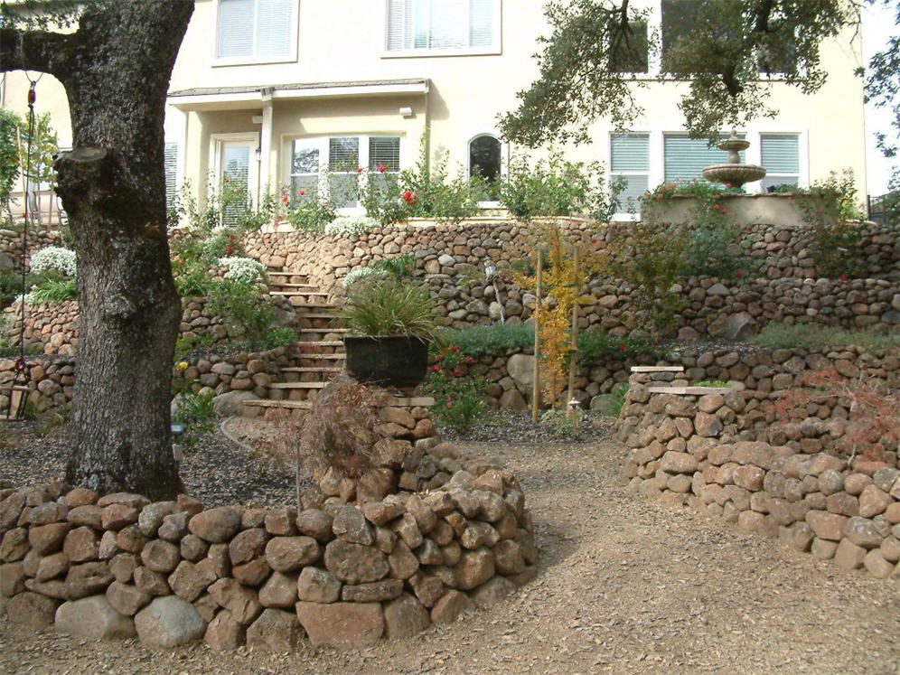 Landscaping Rocks Lodi Ca : Second view stacked rock walls